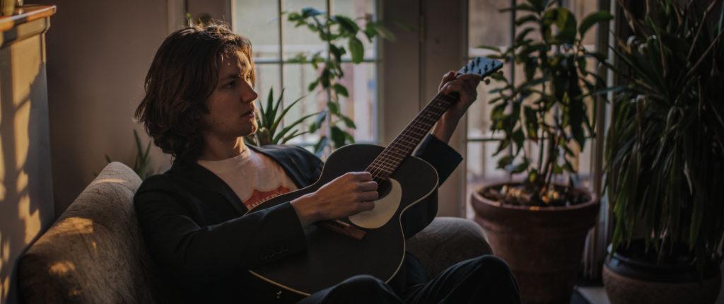 Declan-Kennedy-Guitar