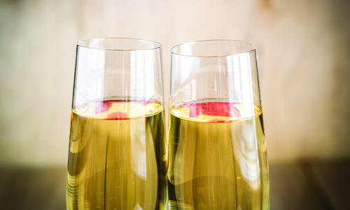 Personalized-Anniversary-Gift-Champagne-Flutes