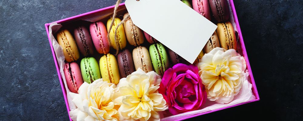 Personalized-Gift-Long-Distance-Flowers-Sweets